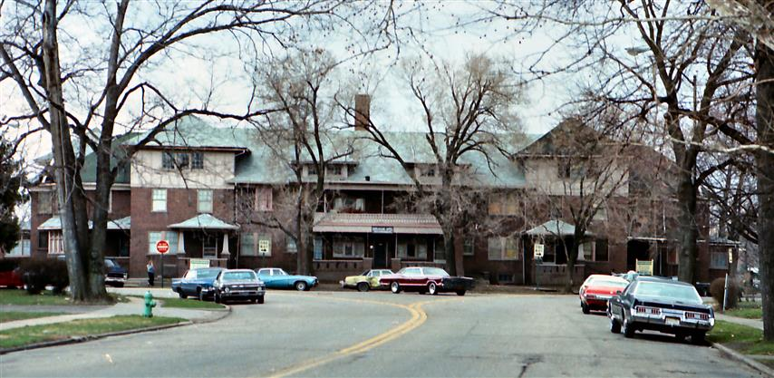 front1976cropped (Small)